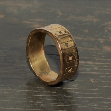 RING 010 UP