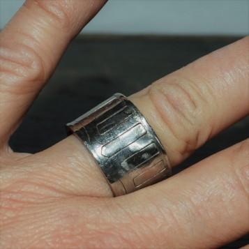 RING 015 HAND