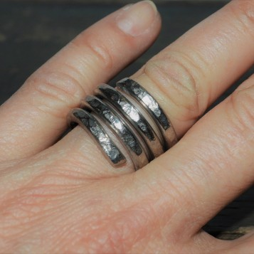 RING 016 HAND