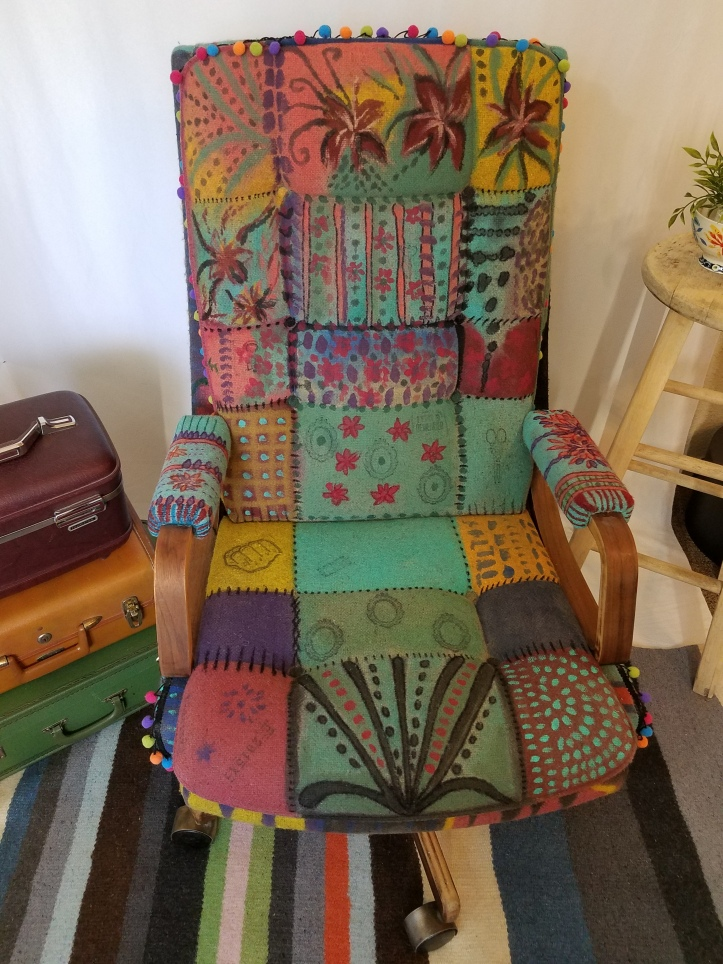 CHAIR COLLORFUL FRONT