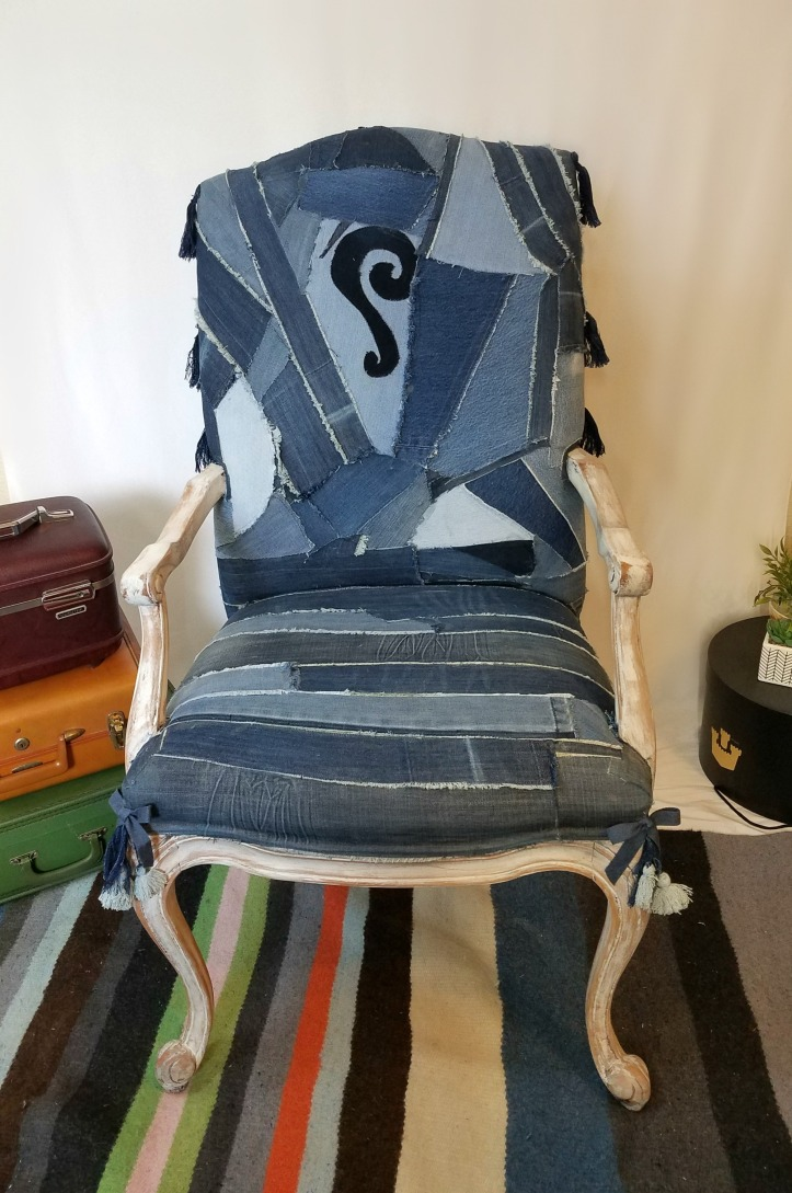 Jeans chair front